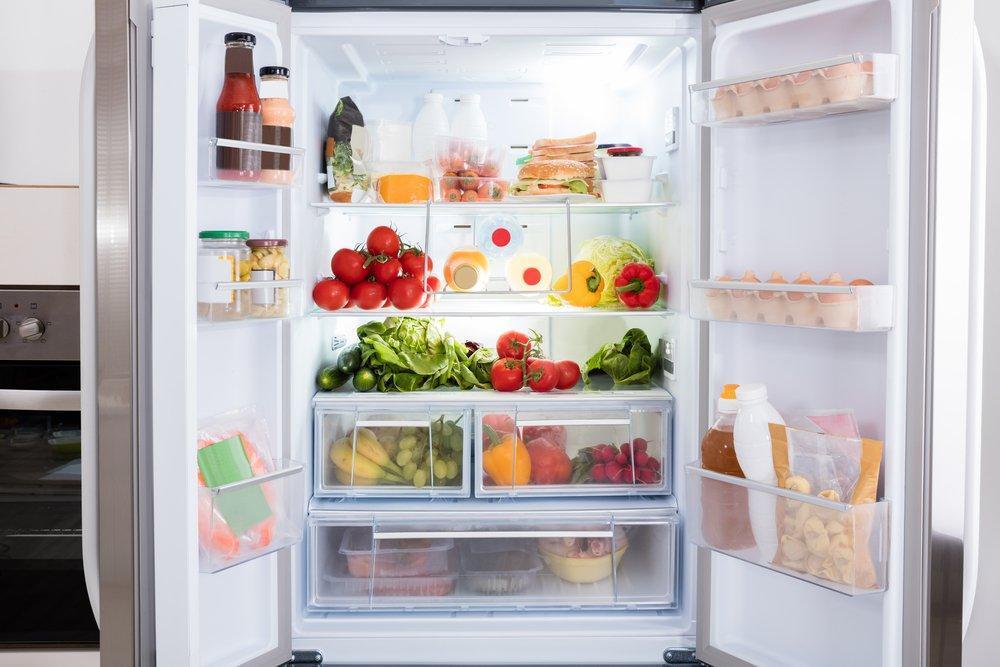 сухофрукты в холодильнике