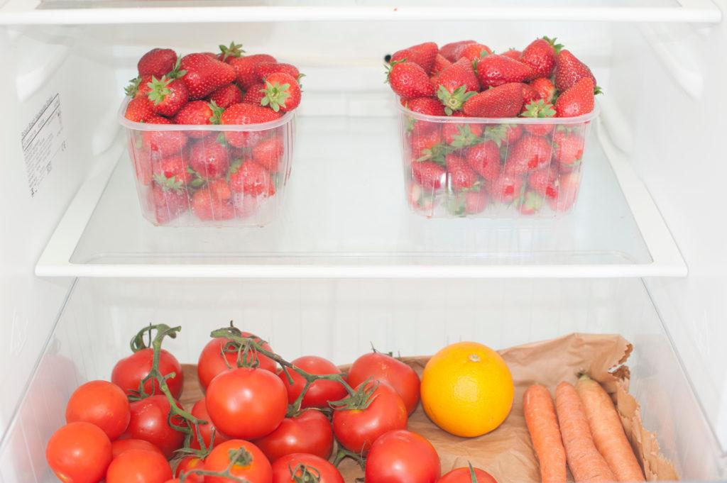 хранение клубники в холодильнике