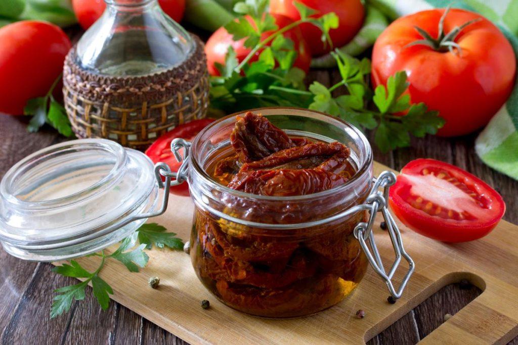 хранение вяленых помидор